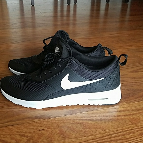Nike Air Max Thea women's NEW